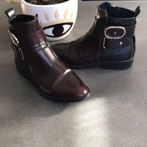 Zara two tones double buckle ankle booties